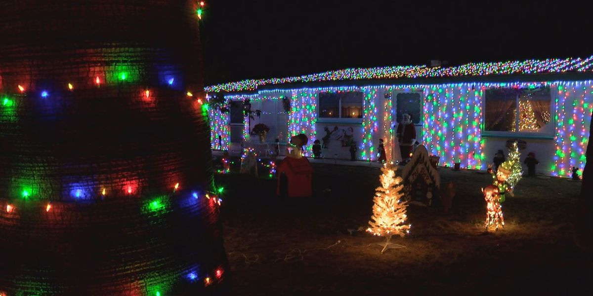 Christmas decor thieves can't steal holiday spirit