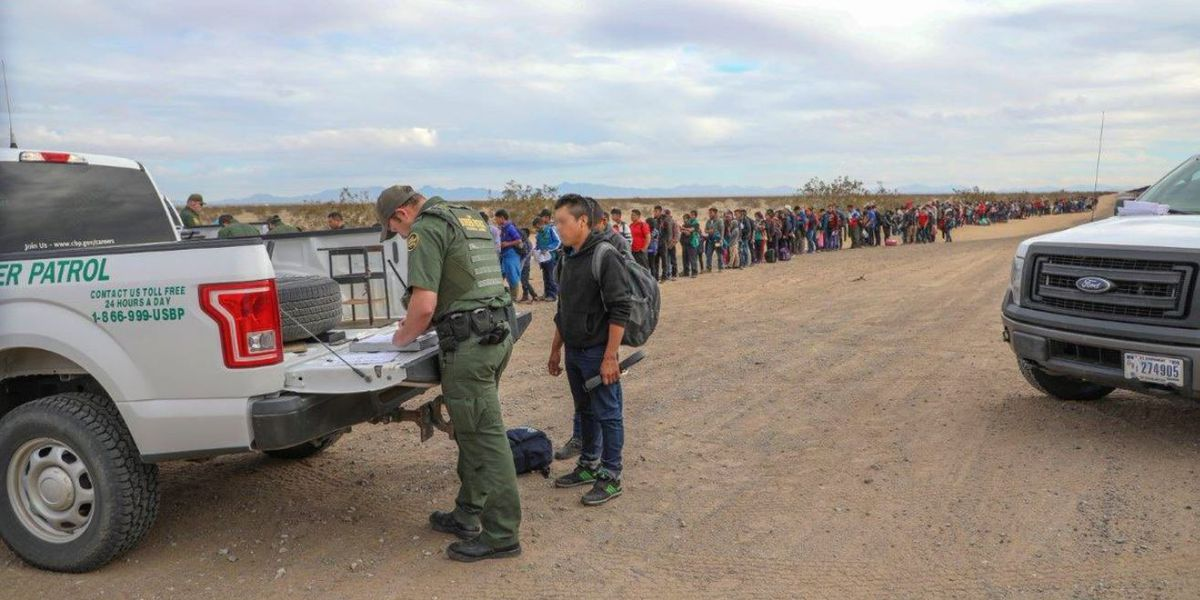 Border Patrol: Large group of immigrants dug under border fence to cross in US