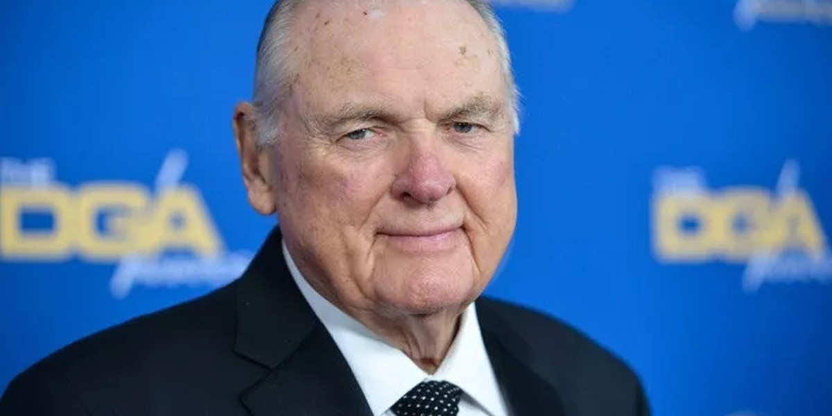 Keith Jackson, 'voice of college football,' dies at 89