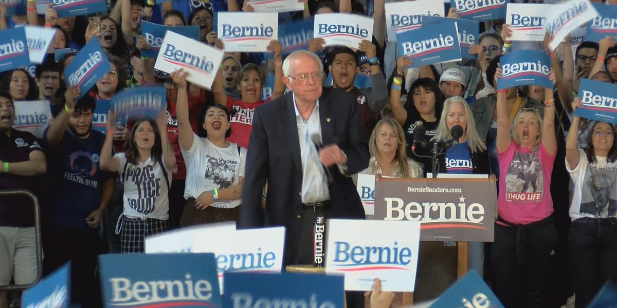 Bernie Sanders rallies for support in Phoenix