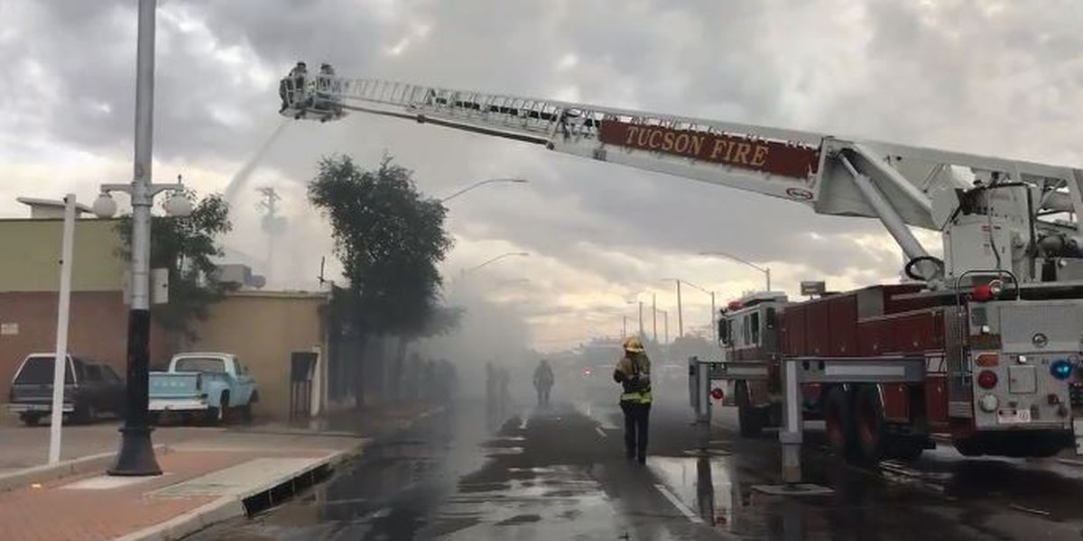 Apartment fire closes portion of 6th Avenue, near 22nd Street