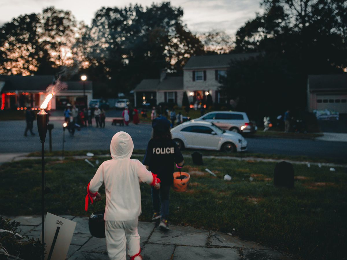 10 ways to make sure you have a fun and safe Halloween