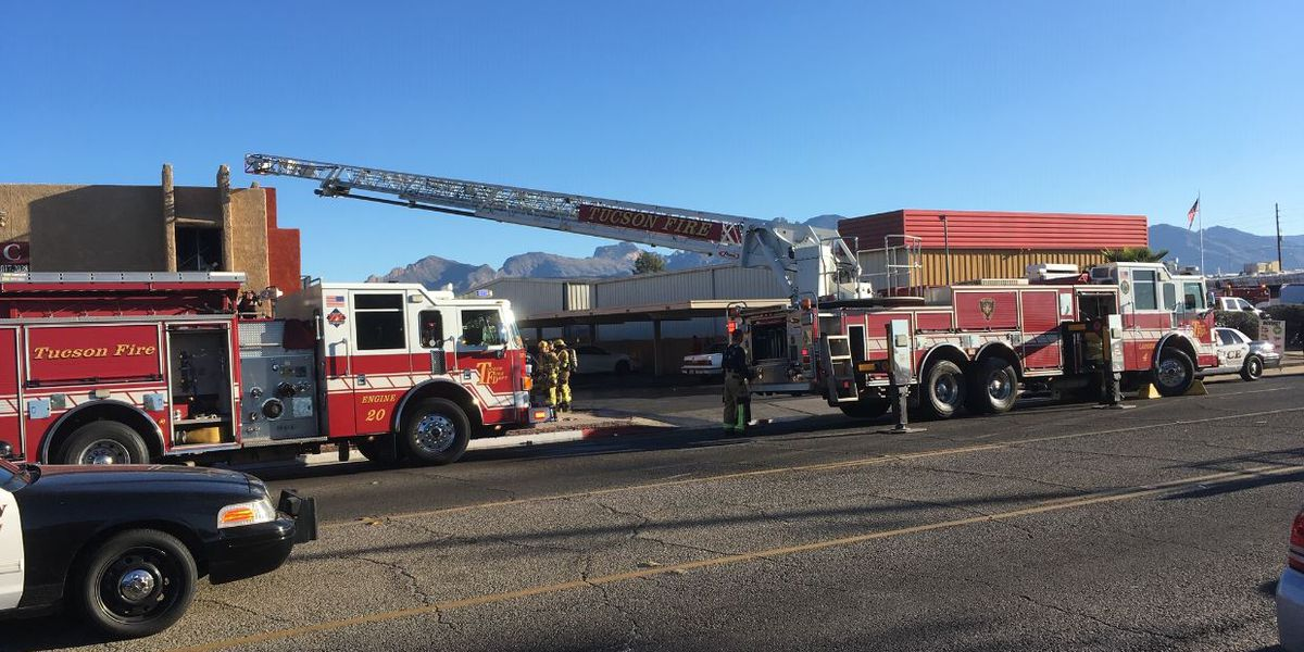 UPDATE: Police reopen Prince Road after closure for apartment fire west of Oracle Road