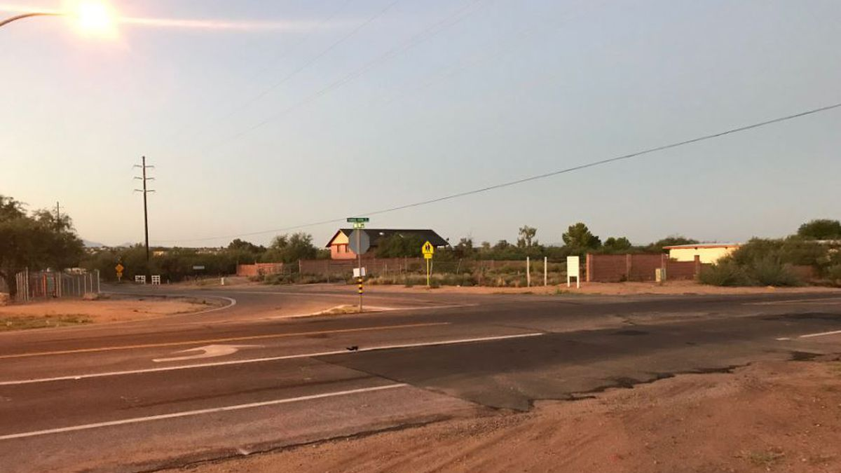 Project slated to install lights on Tanque Verde Road near school