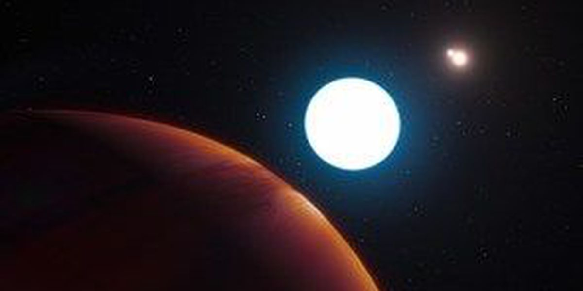 UA student discovers planet with three suns