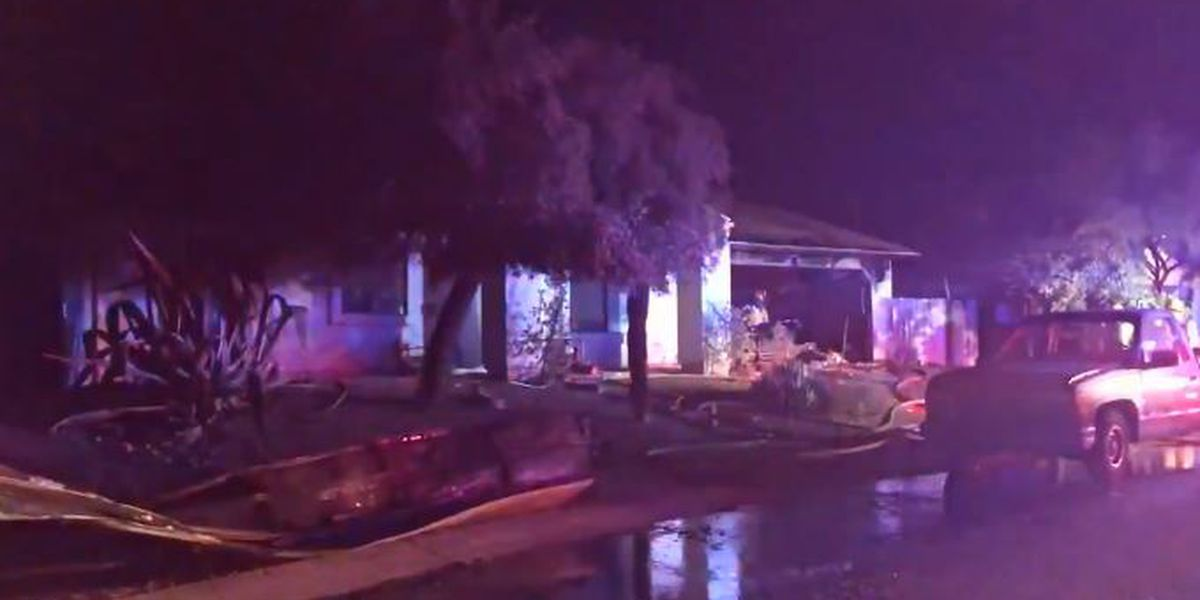 Tucson Fire responds to garage fire on east side