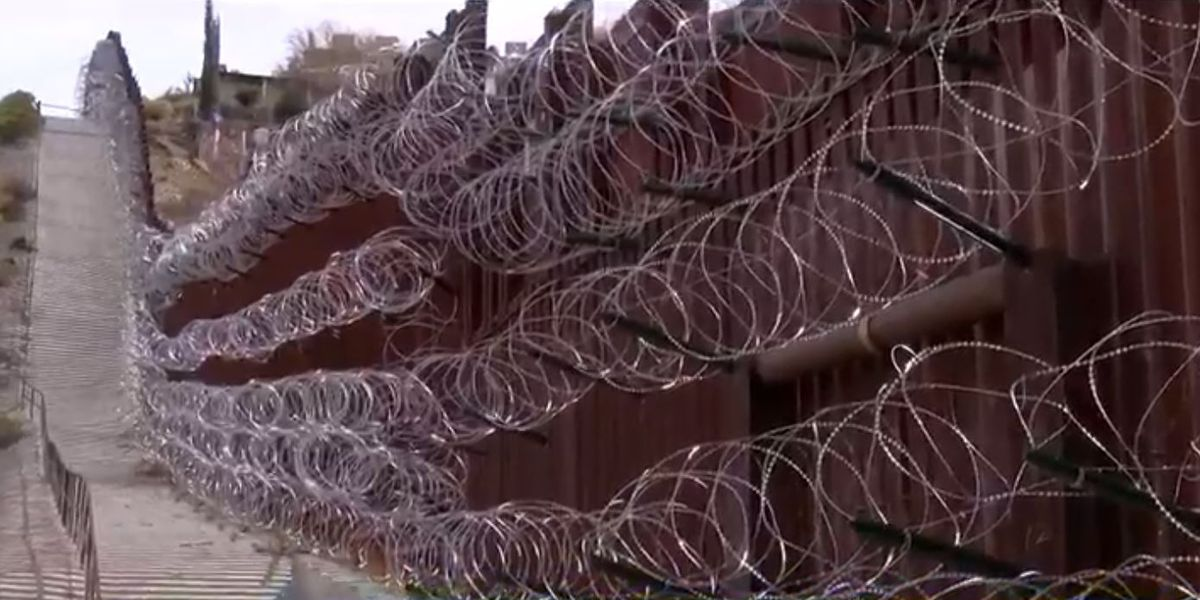 Mayor of Nogales demands the razor wire along the border to be cut down