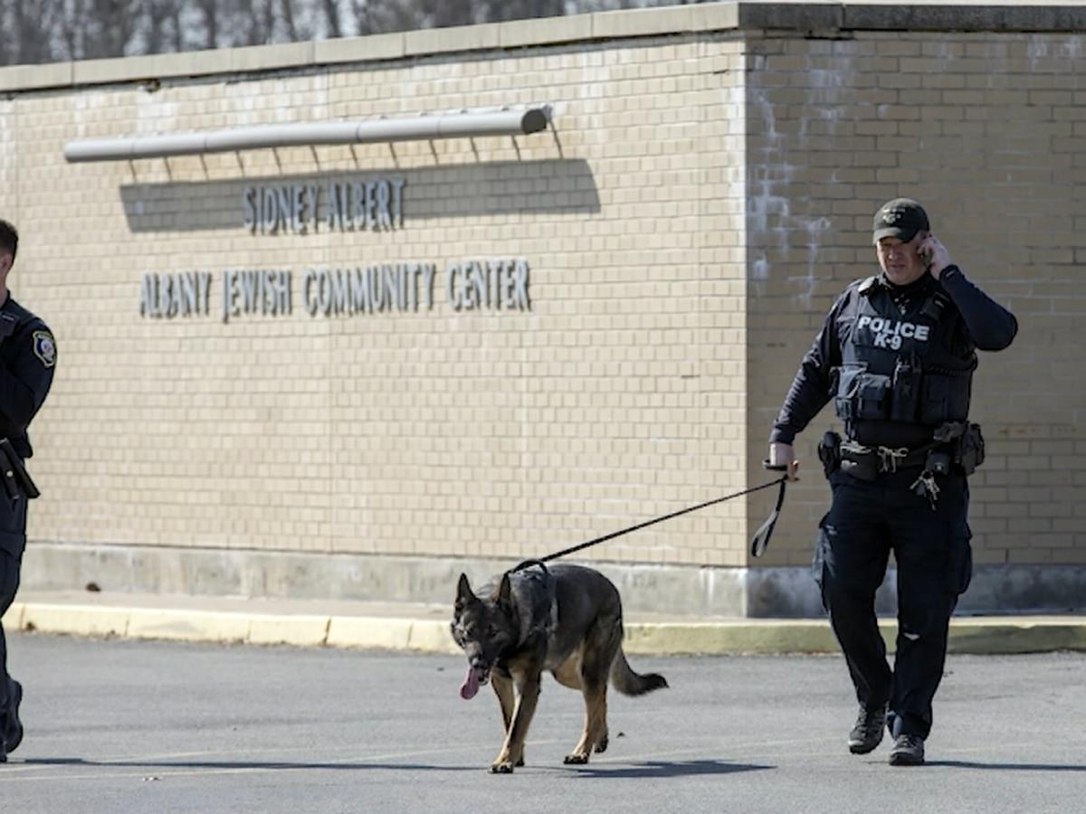 Cuomo: Jewish center evacuated; threats sent around country