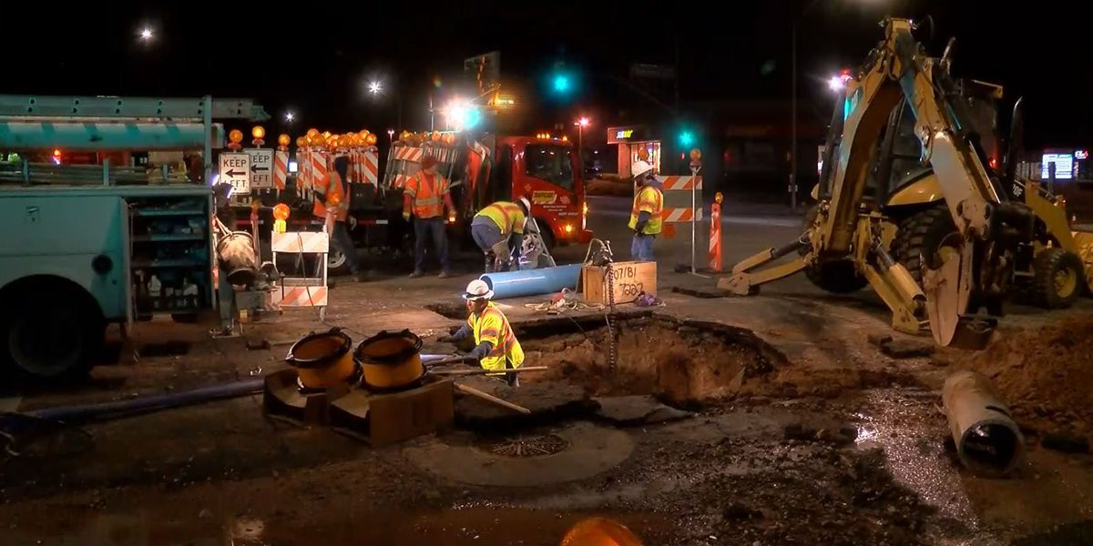 Water main break causes traffic restrictions