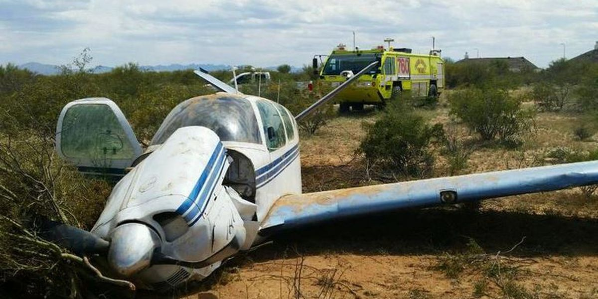 No one hurt in small plane crash at Tucson airport