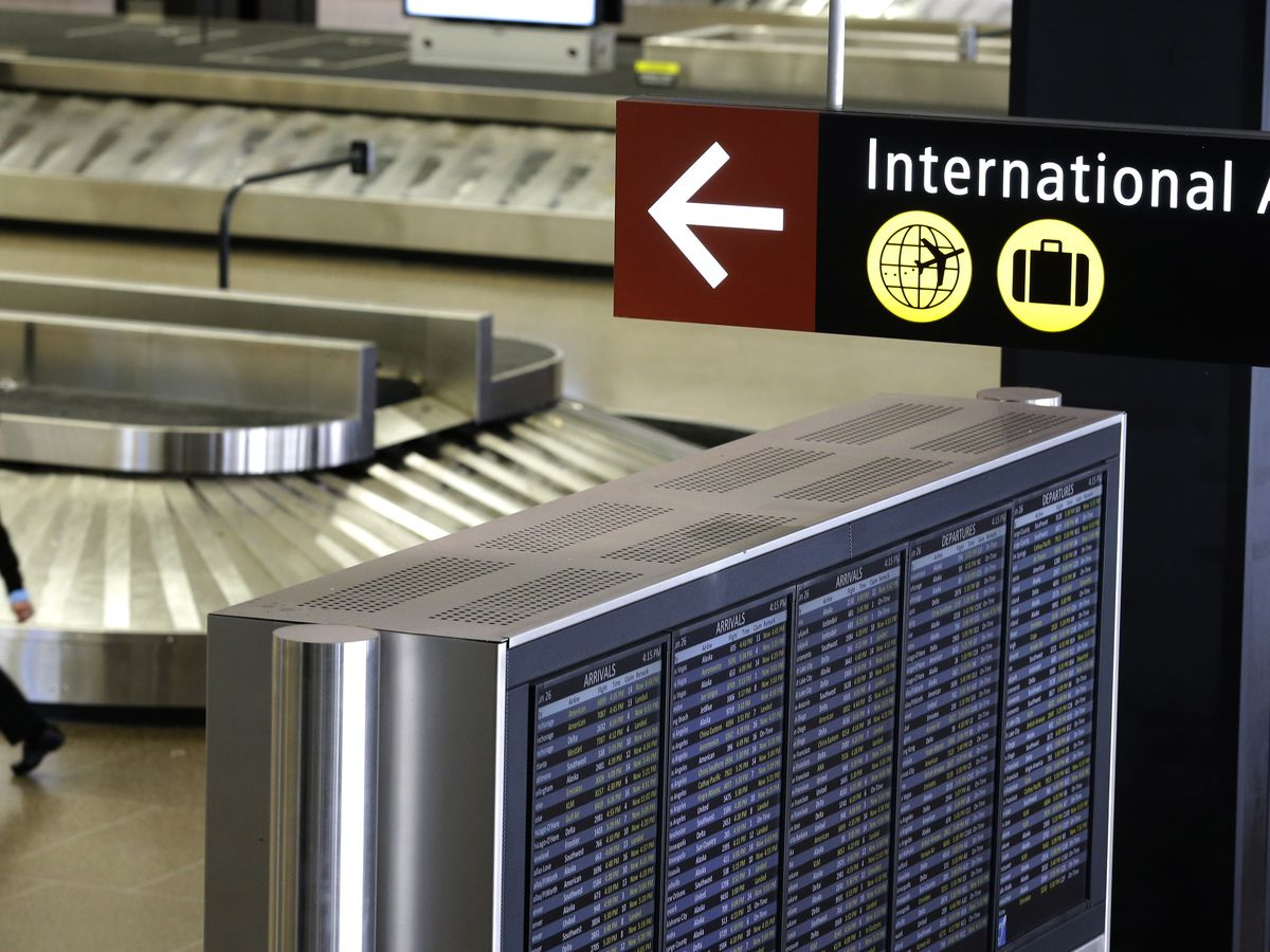 CDC to require airlines to collect information from passengers traveling into US from Guinea and DRC