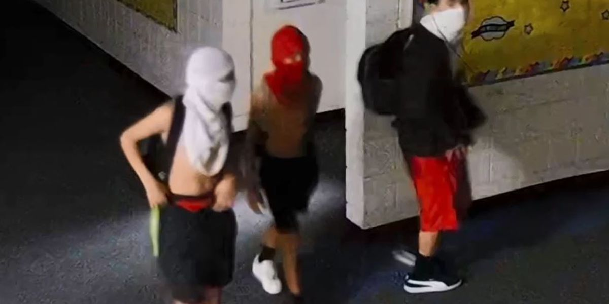 Pinal County Sheriff's Office looking for suspects in school burglary