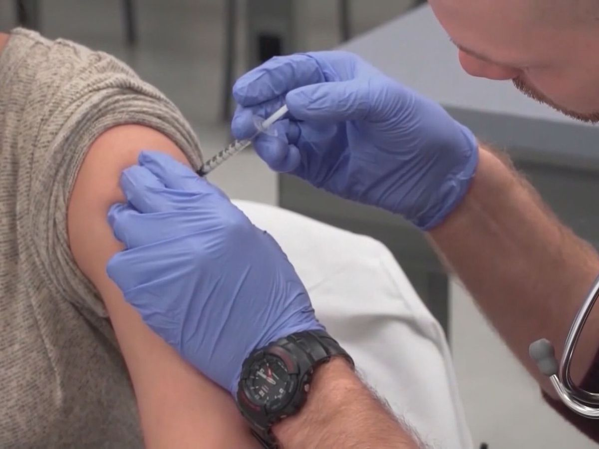AZDHS says COVID vaccine side-effects are more common after second dose