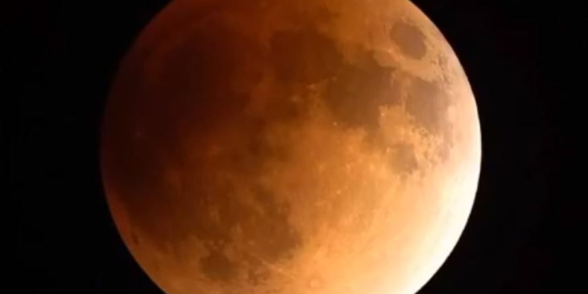 Last chance until 2037 to see the super blue blood moon