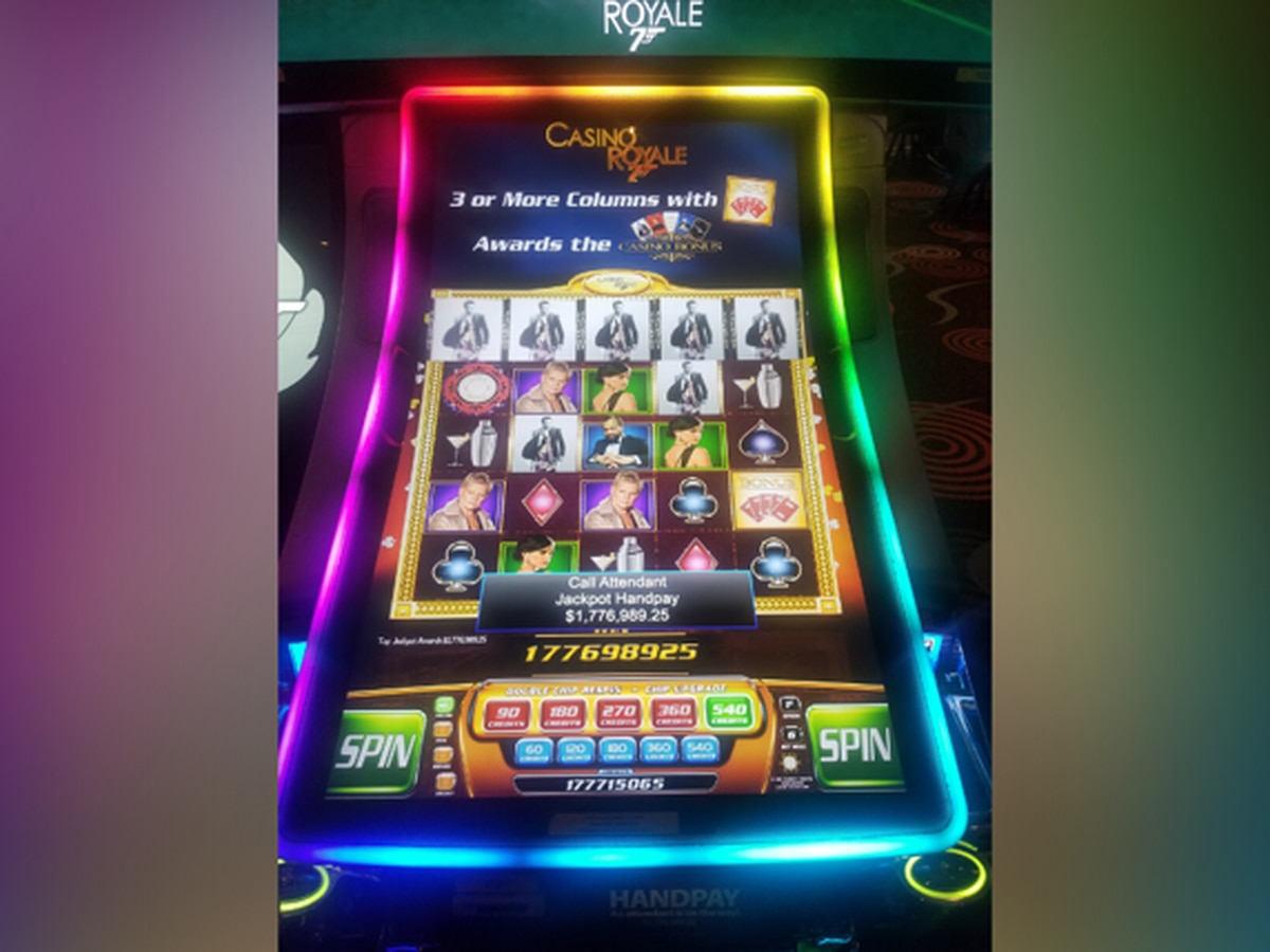 Man takes home $1.8 million playing James Bond-themed slots in Arizona