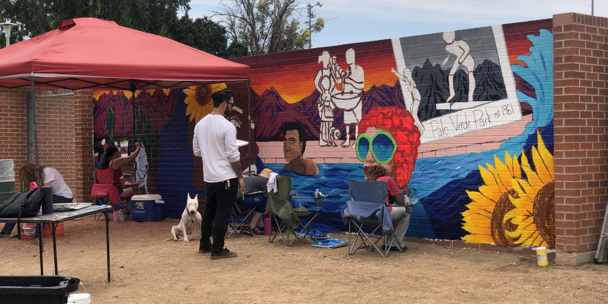 Student artists paint history at Palo Verde Park