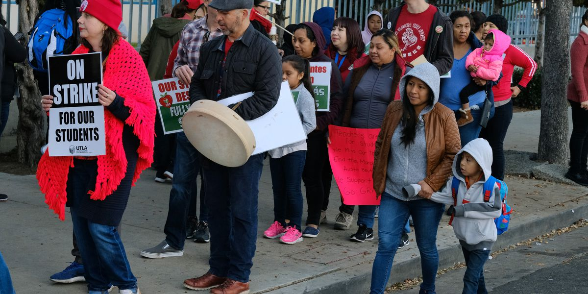 Tentative deal reached to end Los Angeles teachers strike