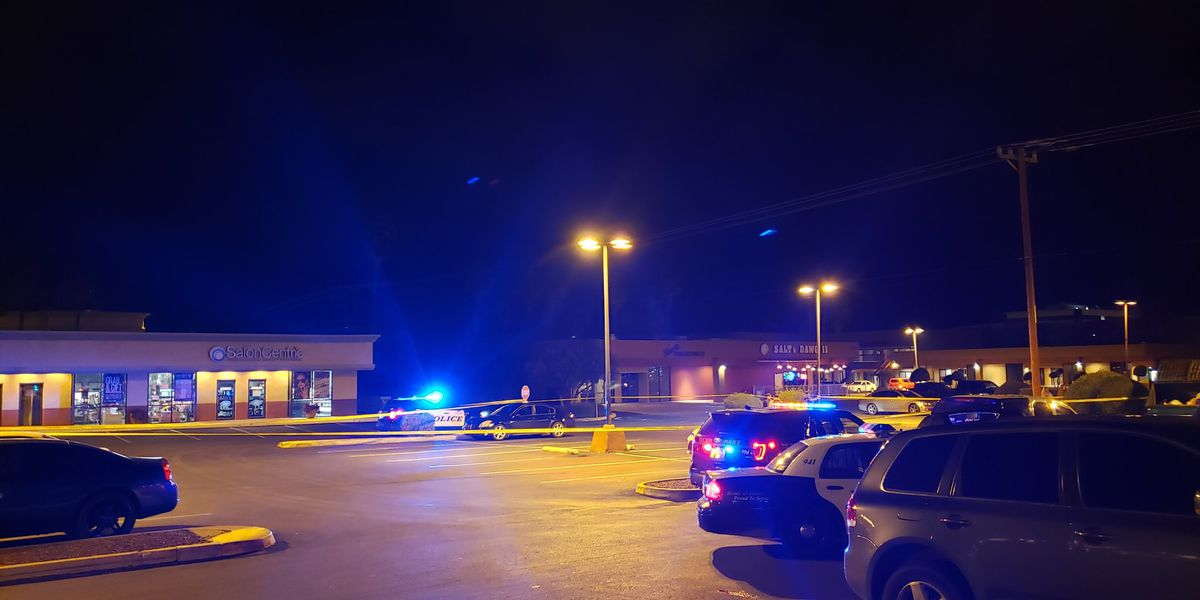 Man shot in parking lot near Park Place Mall