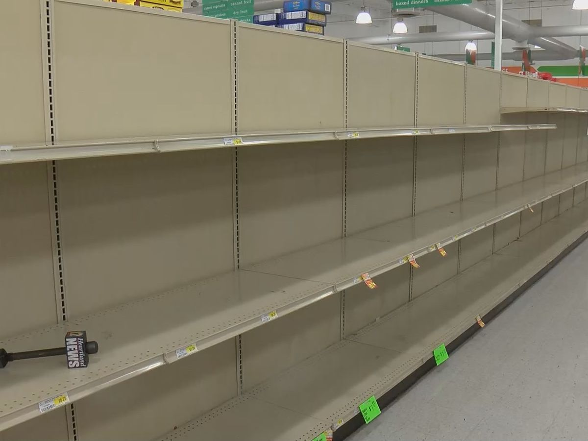 Gov. Ducey activates National Guard to help grocery stores
