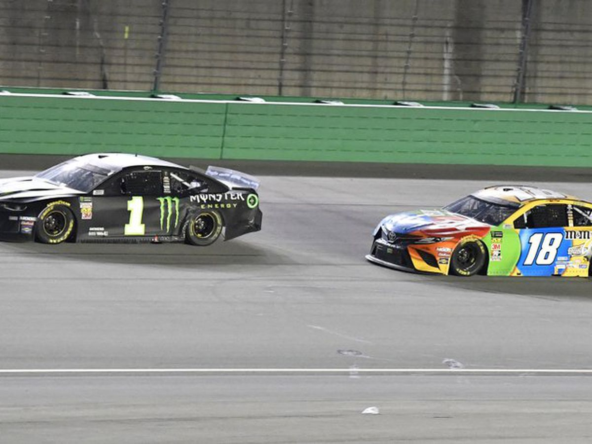 Kurt Busch outduels little brother to win at Kentucky