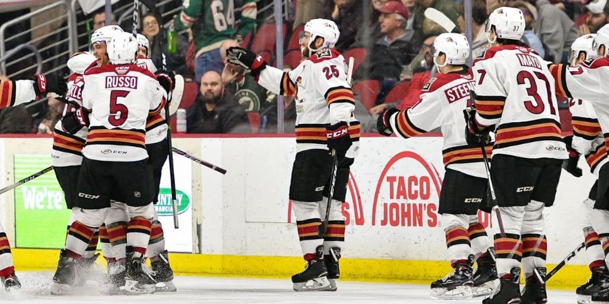 Roadrunners beat Iowa to climb back into playoff picture
