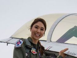 Janice Yu flies with the U.S. Air Force Thunderbirds