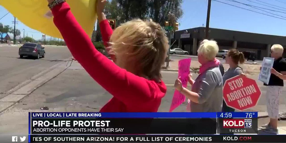 Pro-life activists rally in Tucson
