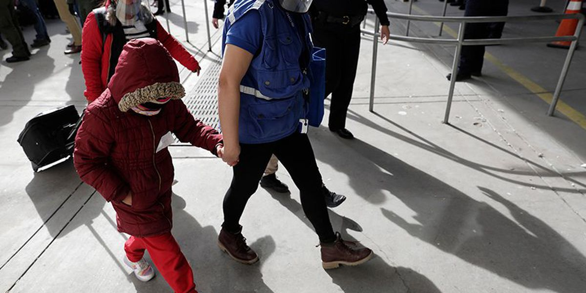 More than 4,000 unaccompanied migrant children in CBP custody