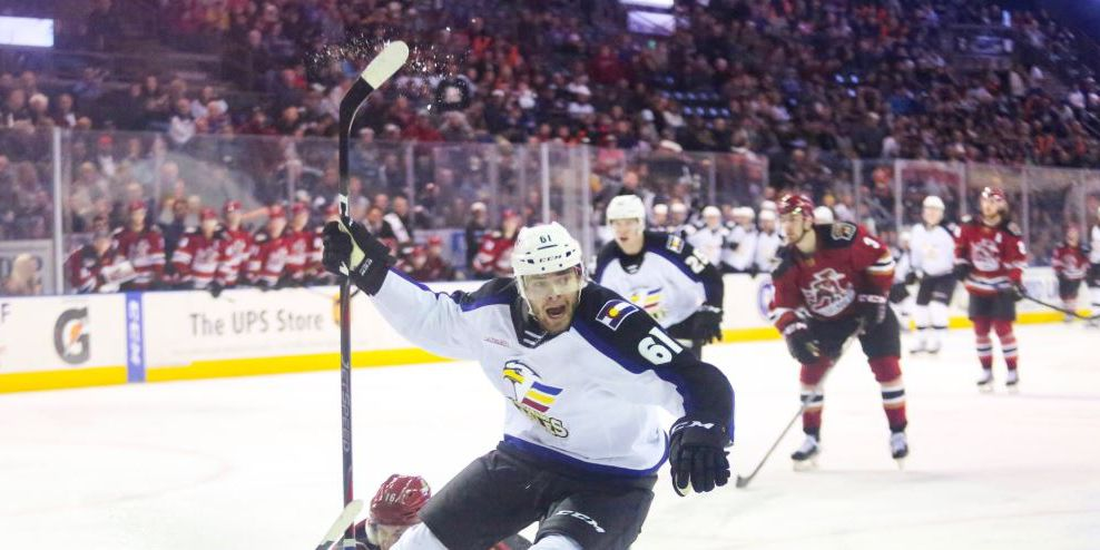 Roadrunners have first losing streak, 2