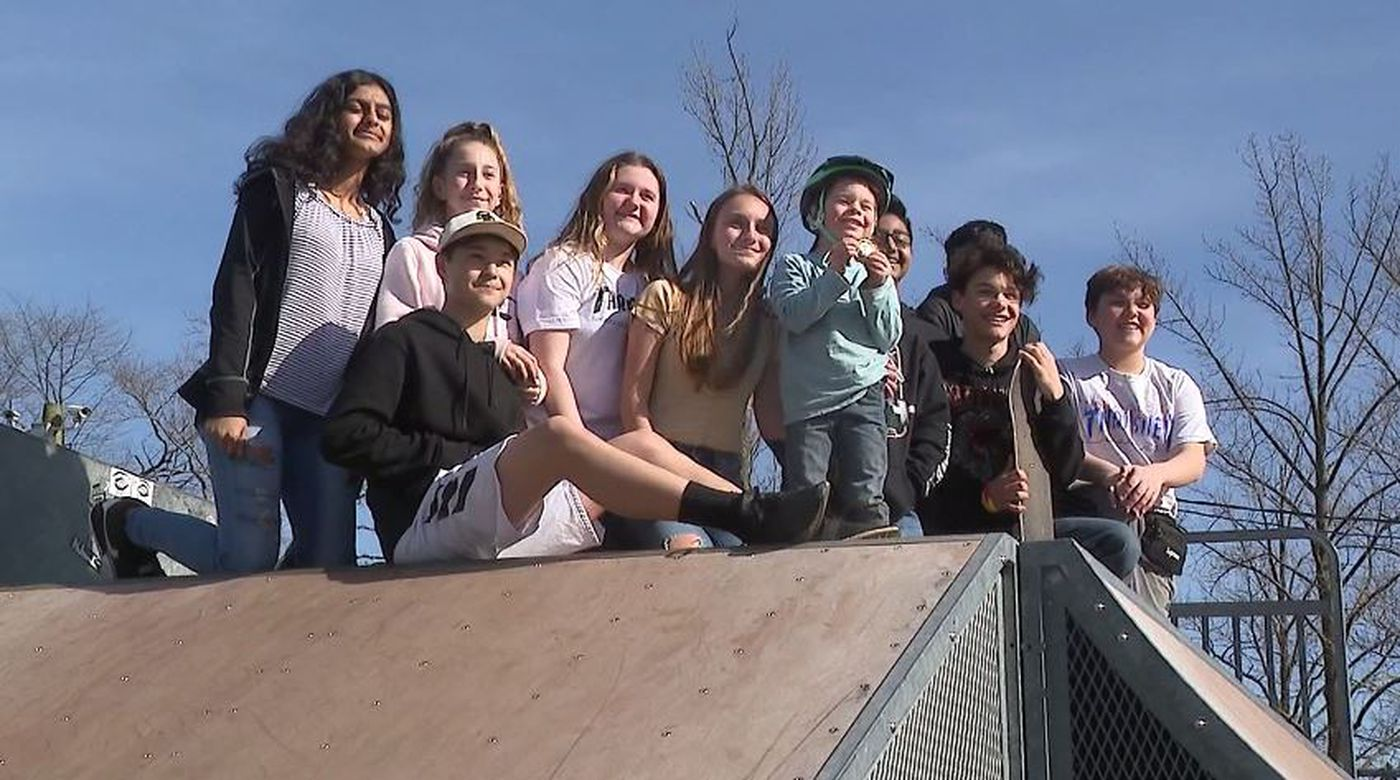 The Teenagers Gave 5 Year Old Carter Braconi Gift Of Friendship Welcoming