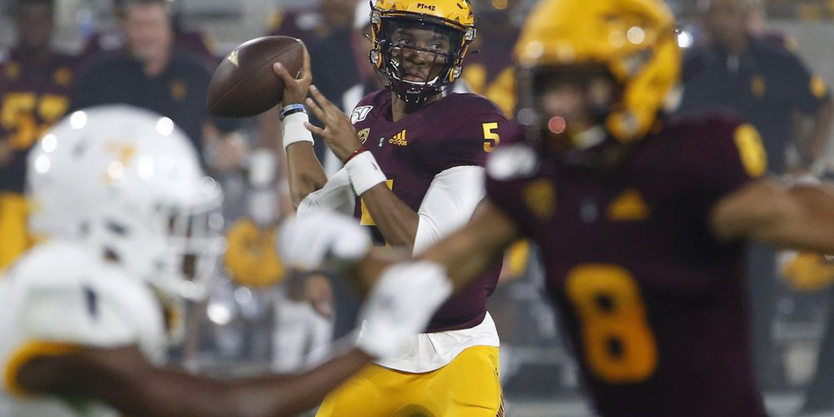Freshman Daniels leads Arizona State to 30-7 win in opener