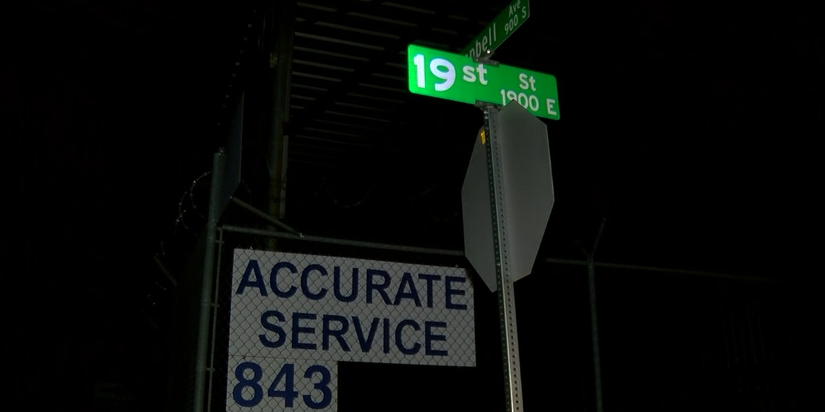 Street sign typo garners attention on Reddit communities
