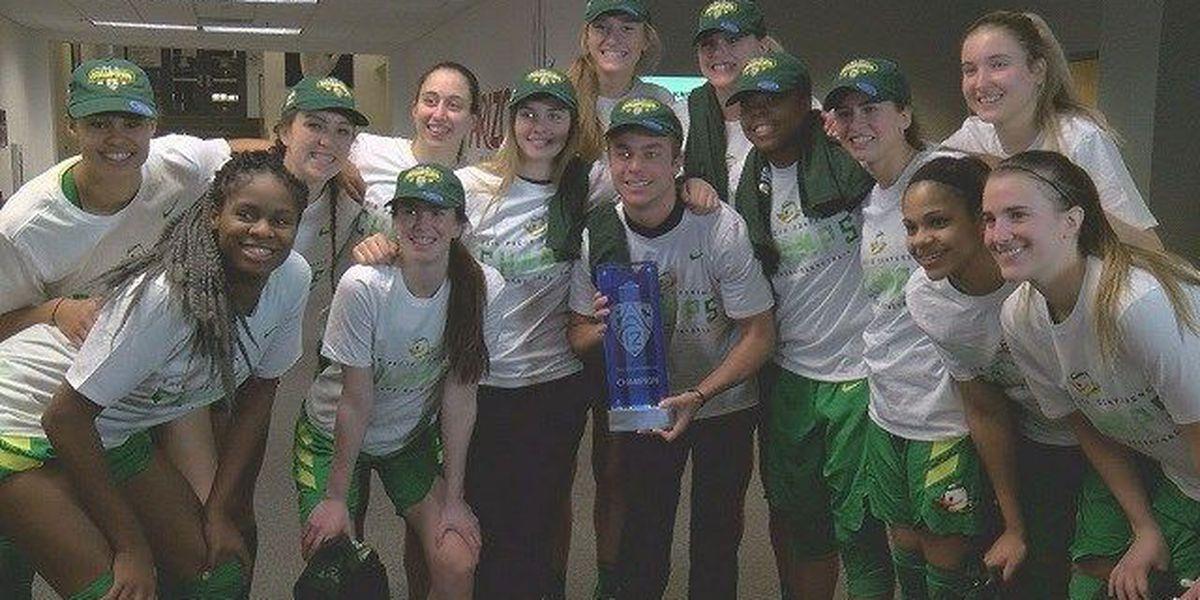 WOMEN: No. 8 Oregon beats Arizona 74-61 to clinch Pac-12 title