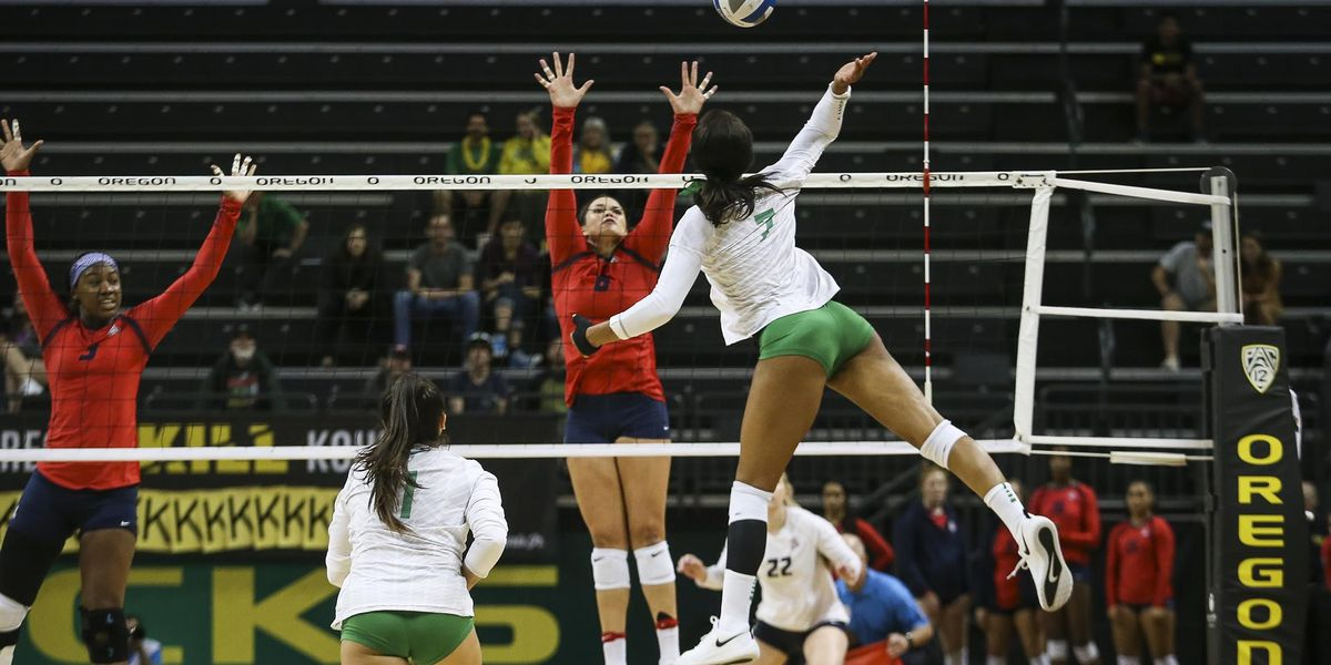 Arizona Volleyball takes down No. 12 Oregon in five-set thriller