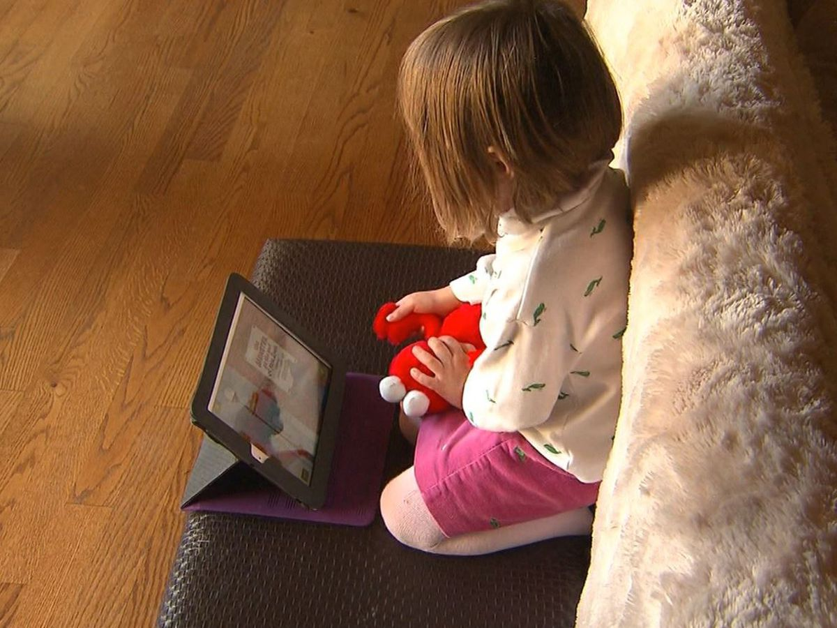 How to protect kids from digital eye strain during pandemic