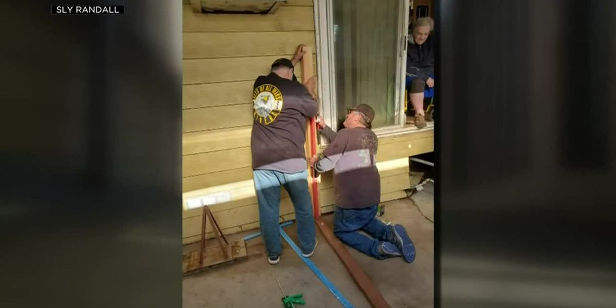 Volunteers build wheelchair ramp to help veteran stuck inside his own house