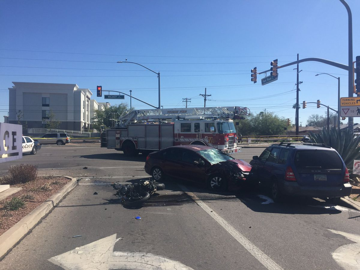 Fatal motorcycle collision closes roads near Park Place Mall
