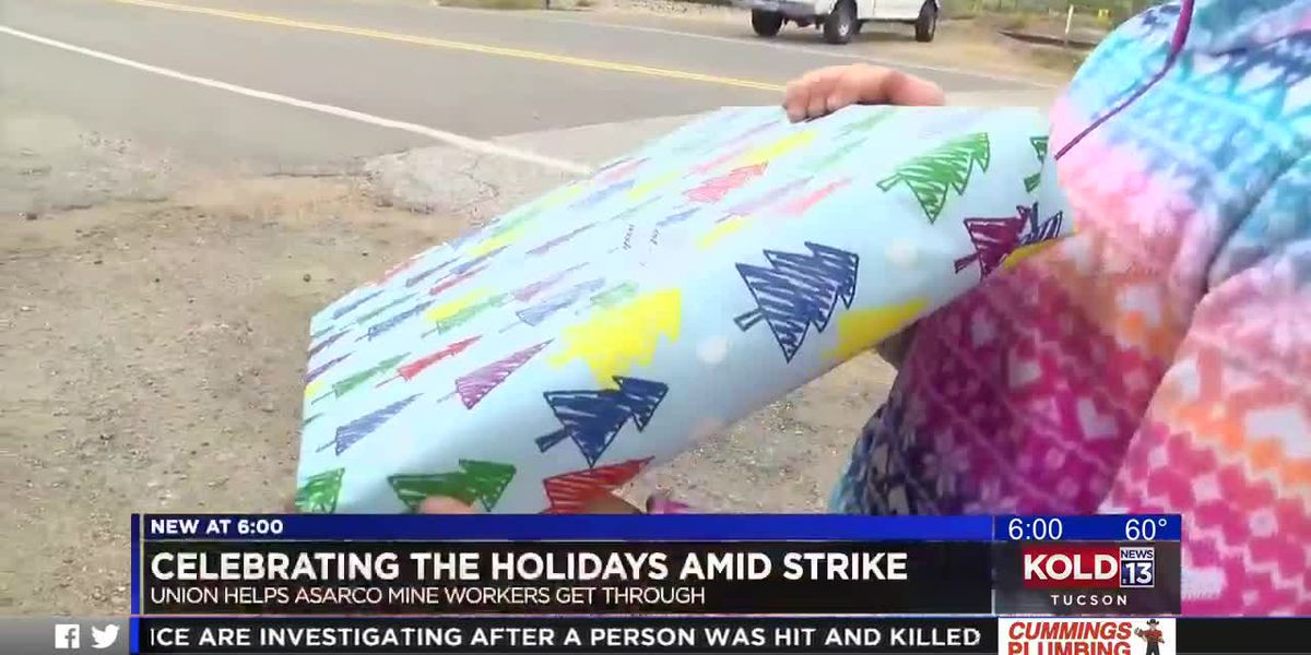 Asarco strikers receive gifts for Christmas
