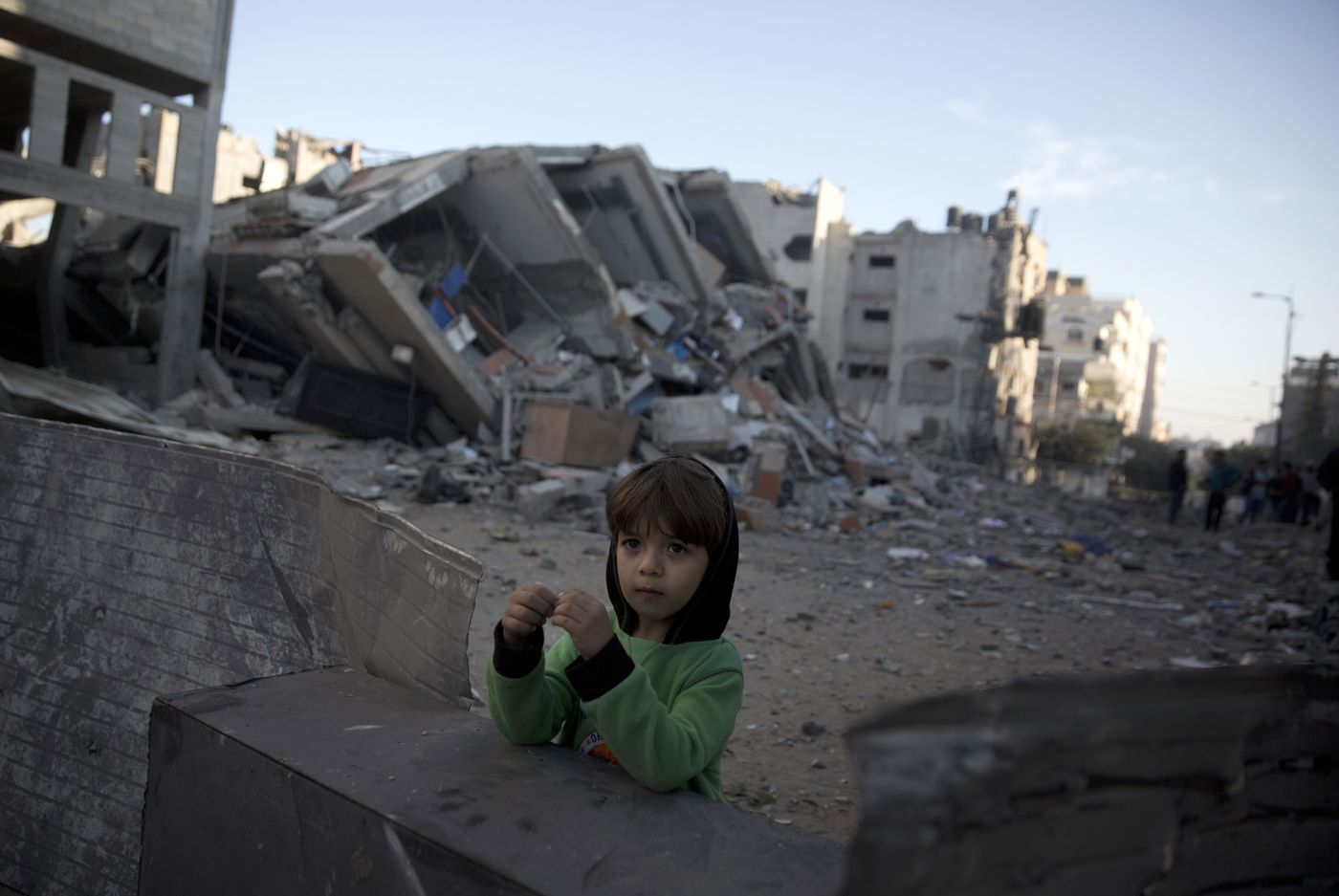 Cease-fire takes hold between Israel and Hamas
