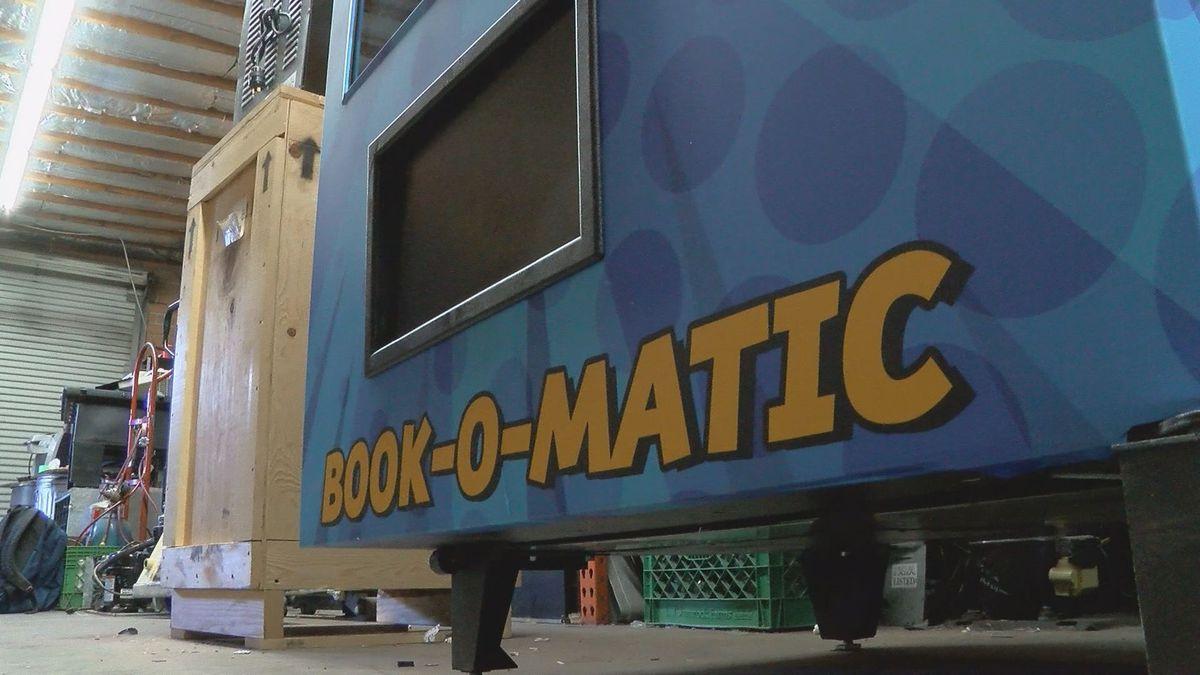 Tucson school's new book vending machine has a lot of heart