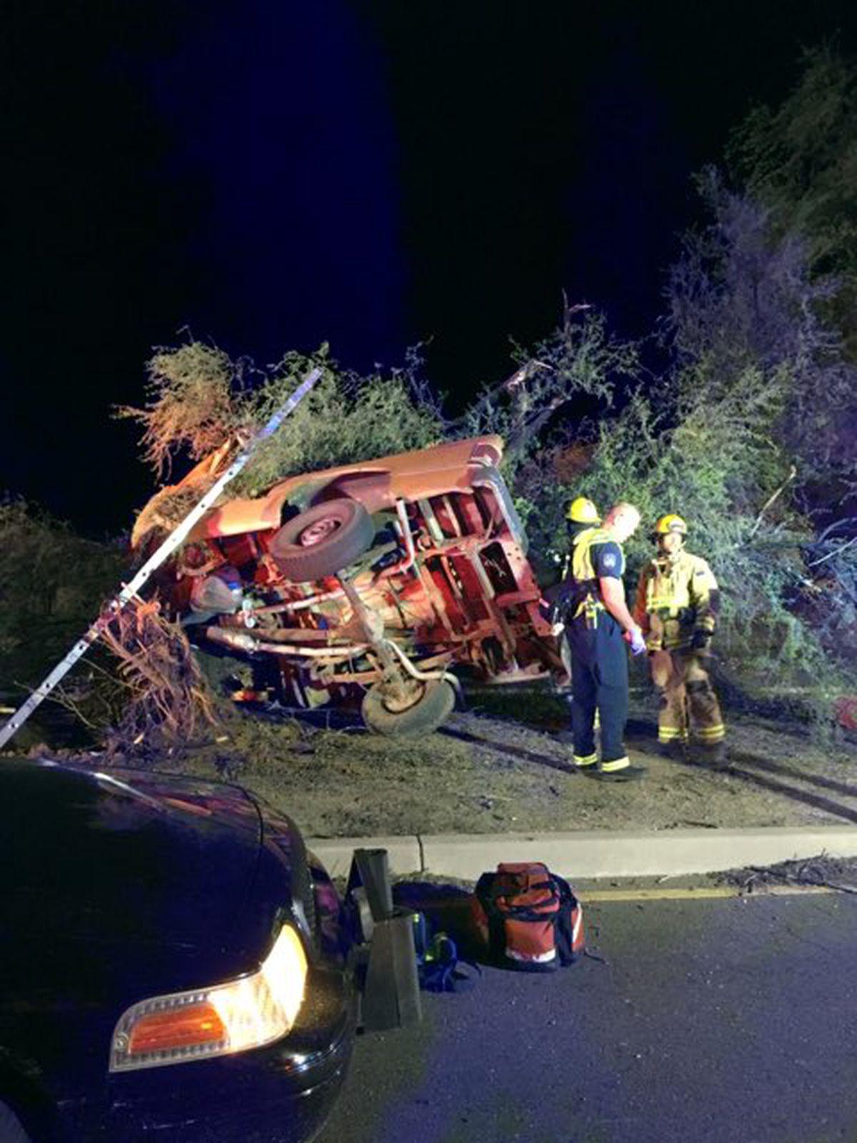 Gas Prices Tucson >> Man dies in fatal crash on Tucson's east side