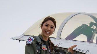Janice Yu flies with the U.S. Air Force Thunderbirds