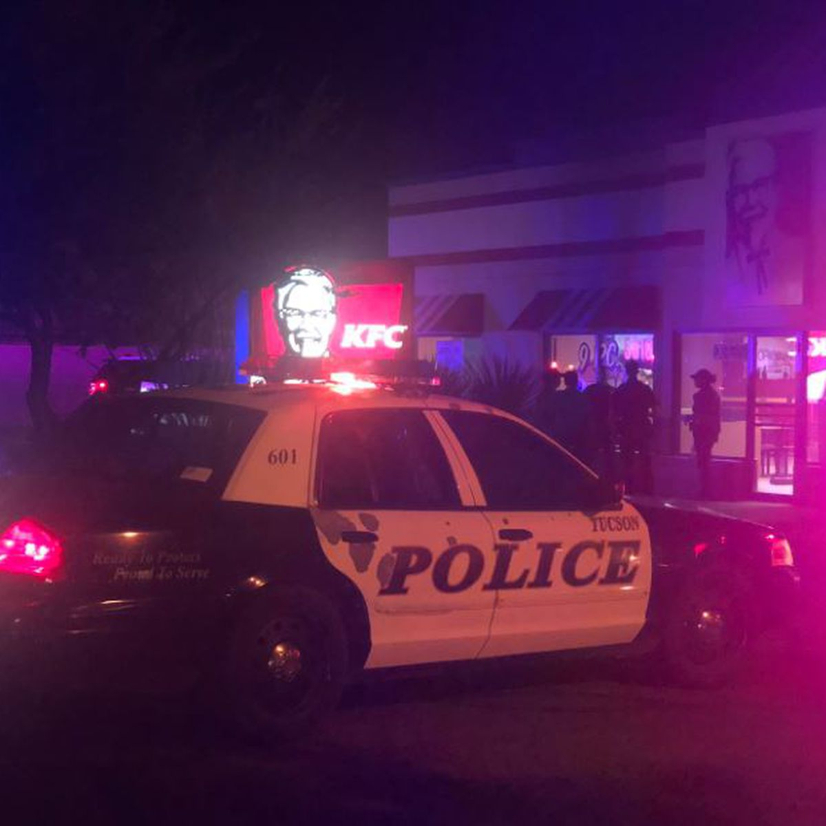Tucson police investigating armed robbery at south-side restaurant