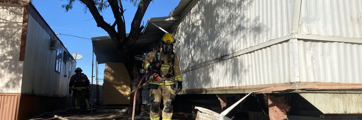 Tucson Fire puts out mobile home fire near Grant, Oracle