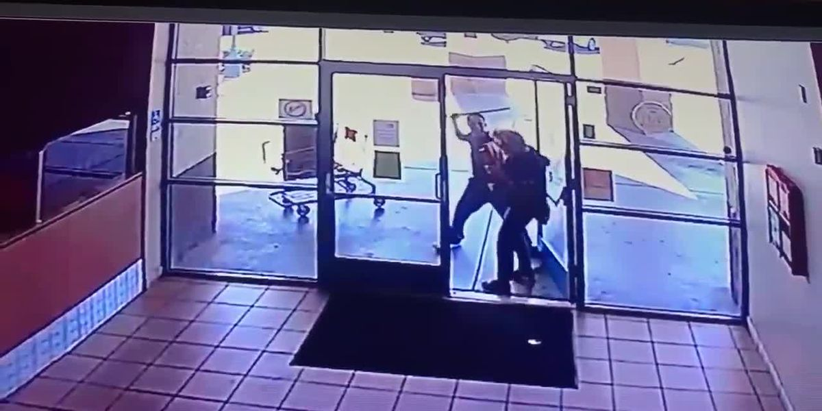 WATCH: Arizona woman attacked by pipe-wielding suspect